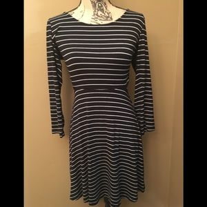 AE long sleeved black and white stripped dress